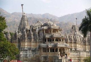 Ranakpur Temple 320x220 - آشنایی با 7 معبد حیرت انگیز جین , هندوستان