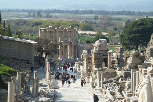 سفر به شهر باستانی کوش آداسی ترکیه