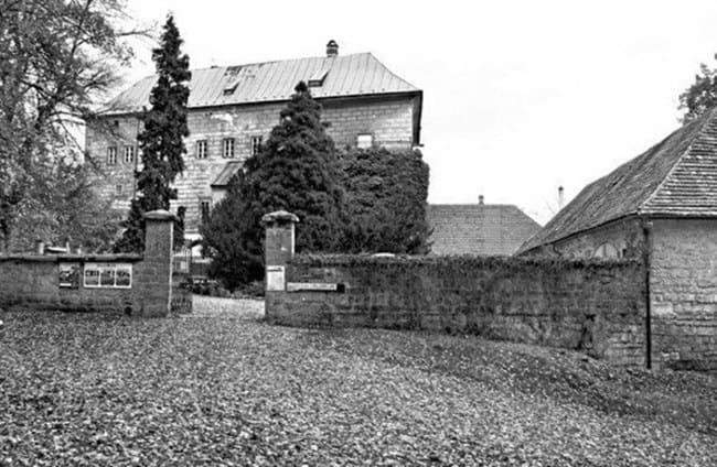 قلعه هوسکا دروازه ورود به جهنم در جمهوری چک