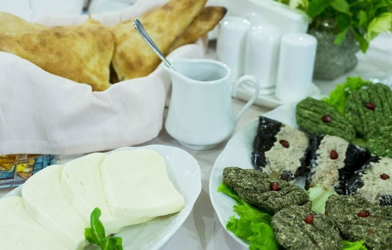 پنیر گرجستانی (سالگونی)