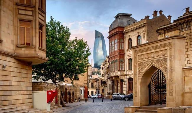 آشنایی با هزینه های سفر به باکو