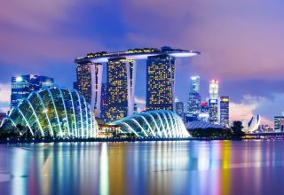 Singapore 320x220 - ۱۵ مکان رویایی آسیا برای یک ماه عسل تابستانی خاطره انگیز