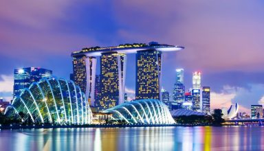 Singapore 384x220 - ۱۵ مکان رویایی آسیا برای یک ماه عسل تابستانی خاطره انگیز