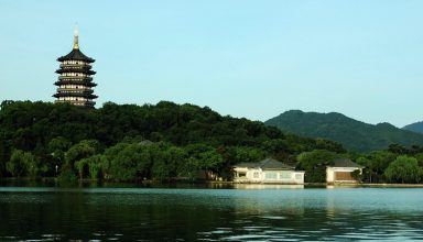 west lake  hangzhou  zhejiang  china 384x220 - ناشناخته های چین - مکان های حیرت انگیز و دیدنی | China