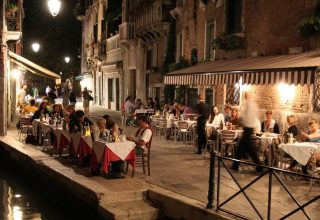 venice 10jan16 mark longair flickr 1024x683 320x220 - بهترین رستوران های رمانتیک در ونیز ، ایتالیا | Venice