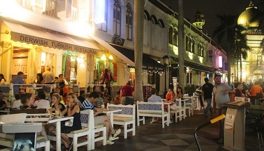 14978935491 b13c772f85 z 384x220 - بهترین محله ها برای دوستداران غذا در سنگاپور | Singapore