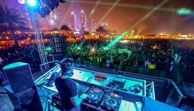 Barasti Beach club Dubai 4 384x220 - بهترین نایت کلاب های دبی کدام اند ؟