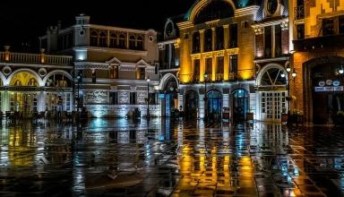 piazza 1024x683 384x220 - بهترین بارهای باتومی ، گرجستان | Batumi