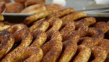 3463459173 b6190f74a9 b 384x220 - بهترین غذاهای خیابانی ترکیه که شما باید حتما امتحان کنید! | Turkey