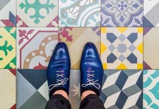 barcelonafloors carrerdecorserga generatorhostel 37 650x650 320x220 - به پایین نگاه کنید ! به زیبایی کفپوش های خیره کننده بارسلونا | Barcelona