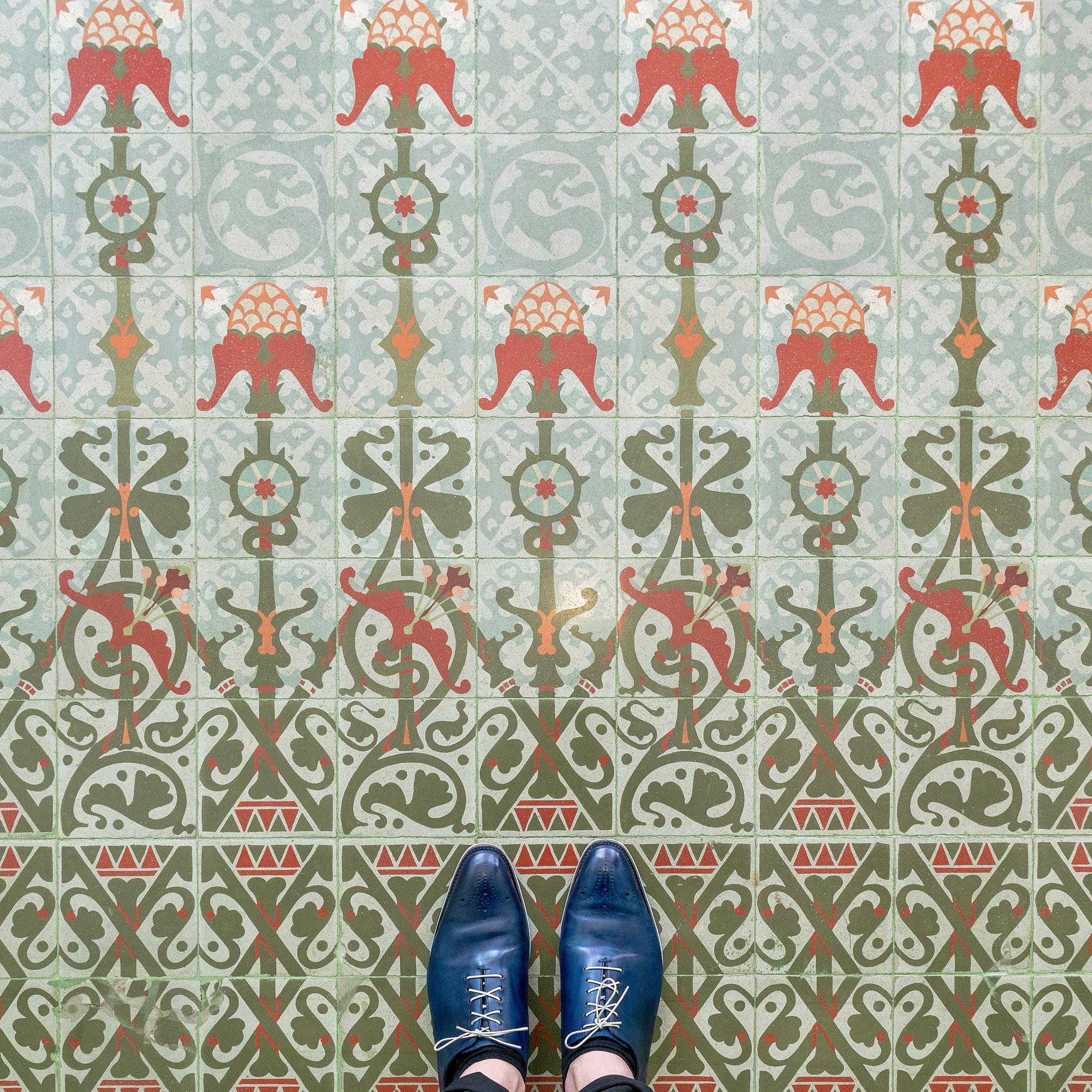 barcelonafloors lleomorera 86 - به پایین نگاه کنید ! به زیبایی کفپوش های خیره کننده بارسلونا   Barcelona