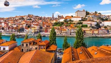 esb professional shutterstock 365359853 384x220 - چگونه 48 ساعت را در پورتو سپری کنیم ؟ | Porto