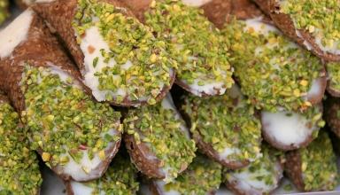 shutterstock 506416450 384x220 - لذیذترین غذاهای سیسیلی که حتما باید امتحان کنید | Sicily