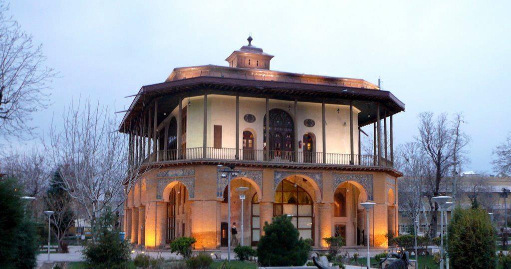 عمارت چهل ستون قزوین
