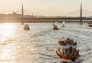 culture trip istanbul hilton 83 320x220 - گذراندن یک روز فوق العاده در استانبول | Istanbul