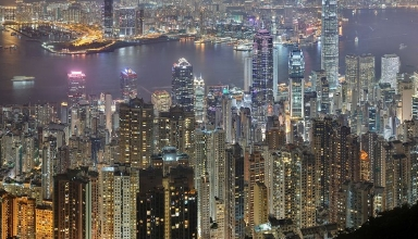 hong kong mosr rich people in the world 384x220 - این شهر دارای بیشترین تعداد افراد ثروتمند است | Hong Kong
