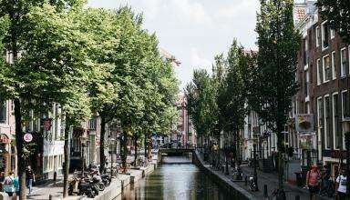 jctp0093 hilton amsterdam netherlands hofstra 12 1 384x220 - گذراندن یک روز فوق العاده در آمستردام | Amsterdam