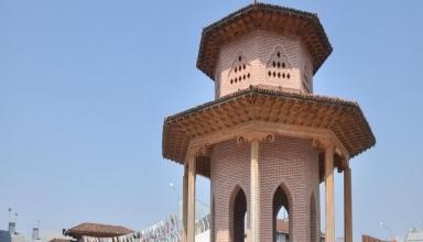 کوچک خان 2 384x220 - آرامگاه میرزا کوچک خان جنگلی رشت