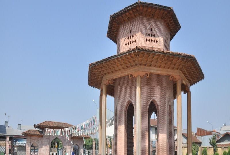 کوچک خان 2 800x540 - آرامگاه میرزا کوچک خان جنگلی رشت