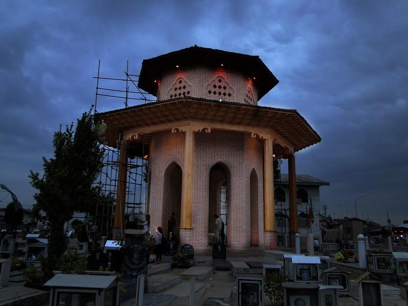آرامگاه میرزا کوچک خان جنگلی رشت