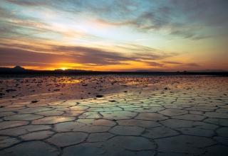 10169 320x220 - دریاچه نمک خور اصفهان