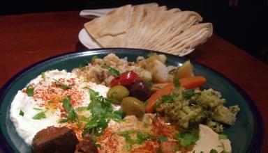 Middle Eastern 384x220 - بهترین رستوران های سنتی خاورمیانه ای در دبی | Dubai