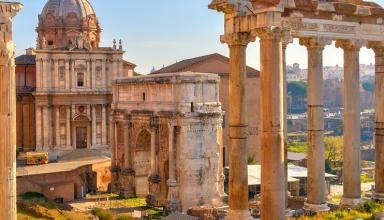shutterstock 98484677 384x220 - آشنایی با مکان های دیدنی امپراتوری روم ایتالیا