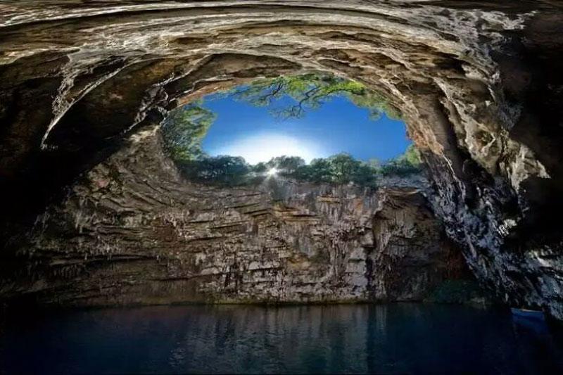غار ملیسانی یونان