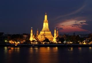 معبد وات آرون بانکوک تایلند