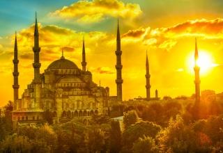 به استانبول سفر کنید