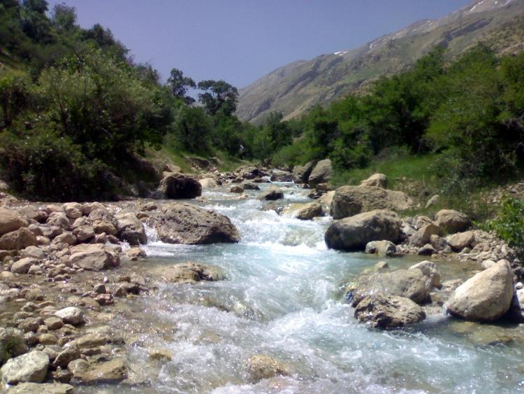 آبشار آب ملخ سمیرم اصفهان