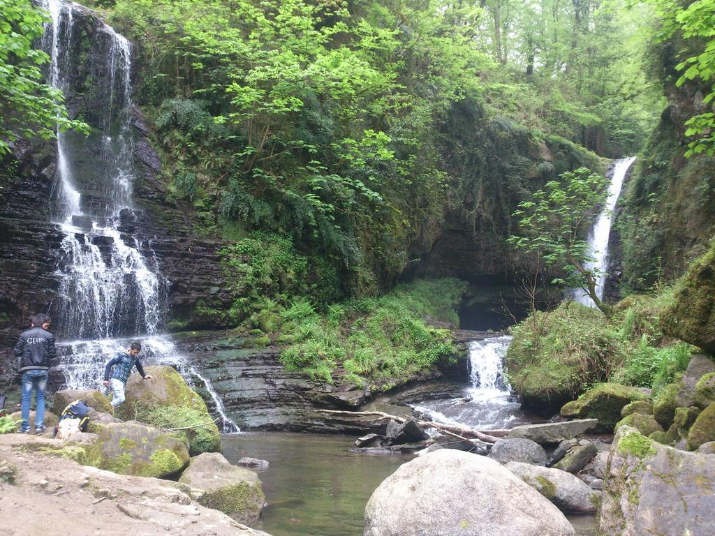 آبشار زمرد تالش گیلان