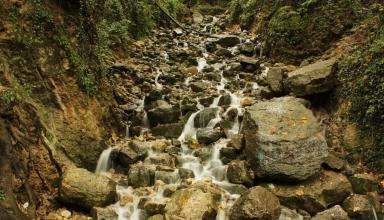 آبشار آب پری نور