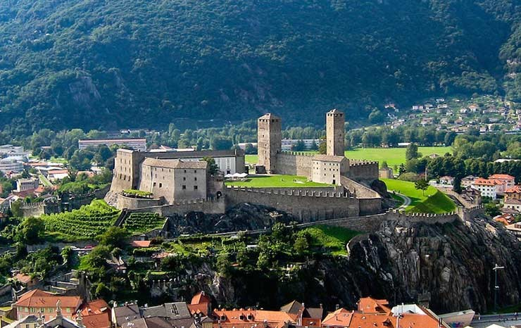 10 نمونه از زیباترین قلعه های سوئیس