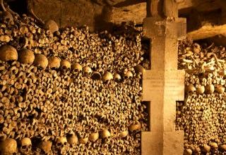 دخمه مردگان پاریس
