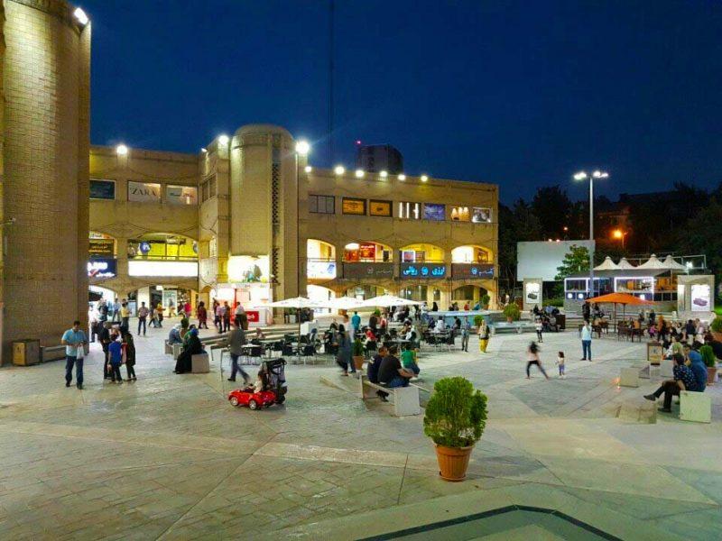 خرید گلستان شهرک غرب 800x600 - آشنایی با مرکز خرید گلستان ، تهران | Golestan Commercial Center
