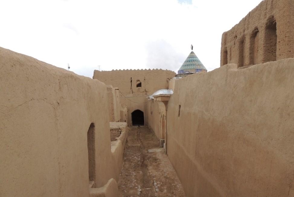 قلعه مورچه خورت