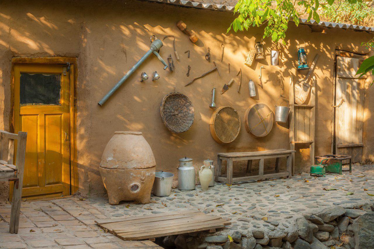 اقامتگاه بومگردی چشمه سبز