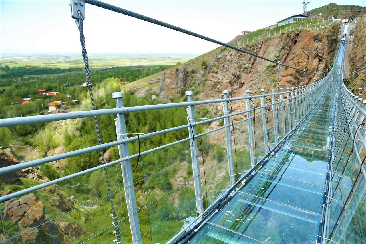 پل شیشه ای هیر