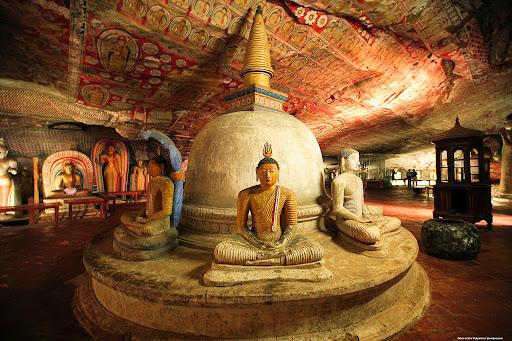 معبد دامبولا سریلانکا (معبد طلایی)